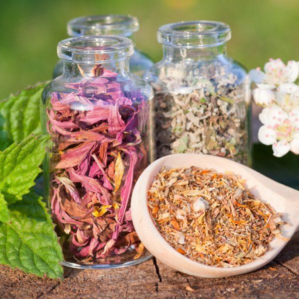 DIY Herbal Padsicles + Perineum Sitz Spray